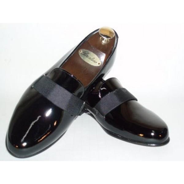 Cool tux shoe. I could wear a crisp white shirt, a black bow tie